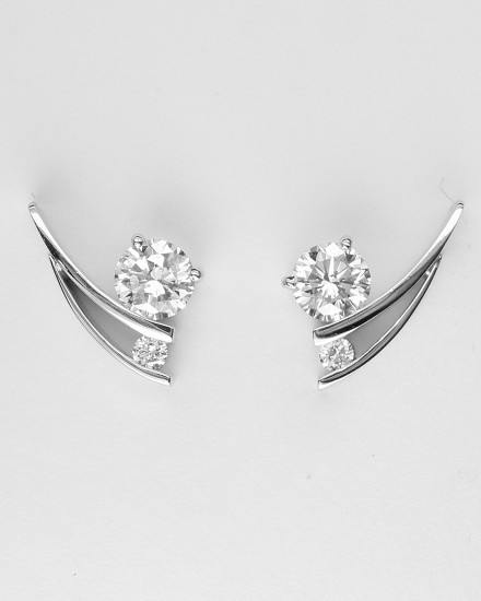 'Tick' style Platinum & palladium set 2 stone round brilliant cut diamond stud earrings.