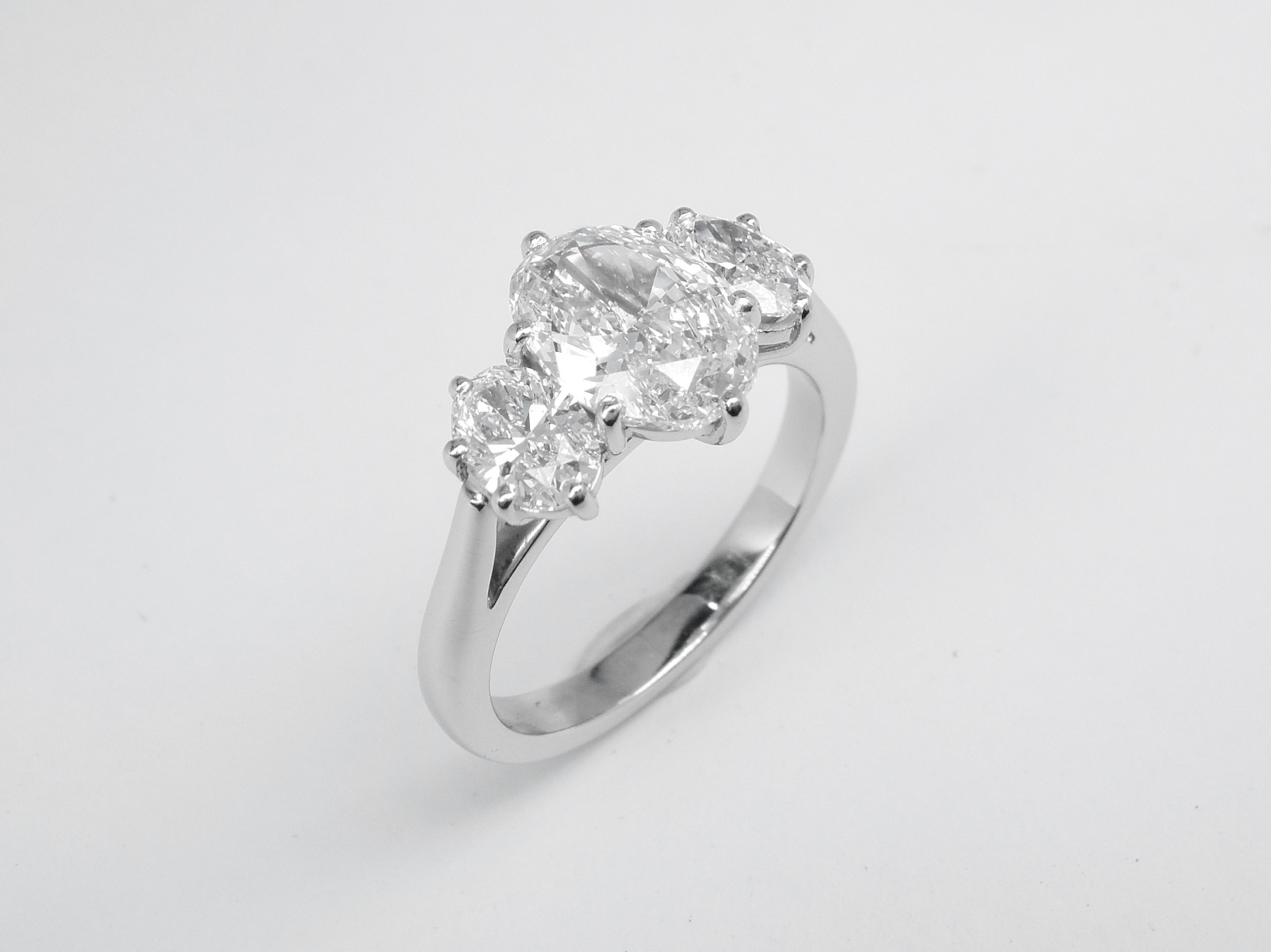 Platinum Oval Diamond Set