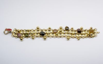 9ct. yellow gold bracelet with agate beads. Was £490 Now £295