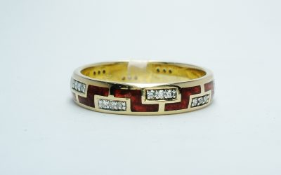 Silver gilt ring with pearlised caramel ceramic inlay and diamonds (0.11cts.) set in a Greek Key style Was £210 Now £130
