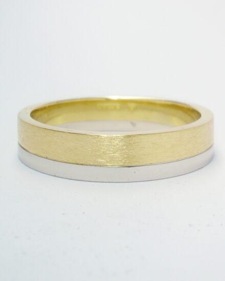 A brushed finish 18ct. yellow gold & polish finished platinum gents wedding ring.