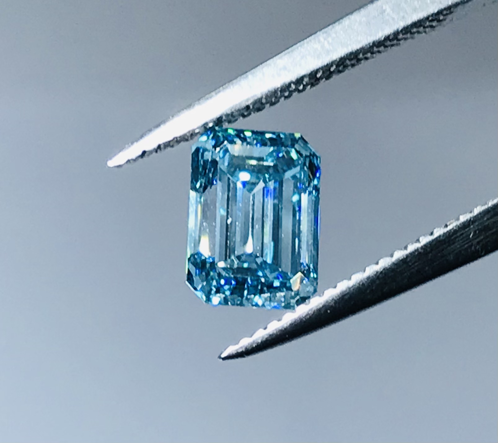1 carat sky blue emerald cut